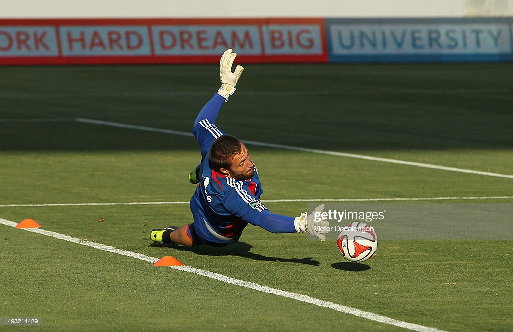 Goalkeeper Chris Seitz #18 of FC Dallas warms up prior to the MLS match against the Los Angeles Galaxy at StubHub Center on May 21, 2014 in Los Angeles, California. The Galaxy defeated FC Dallas 2-1.