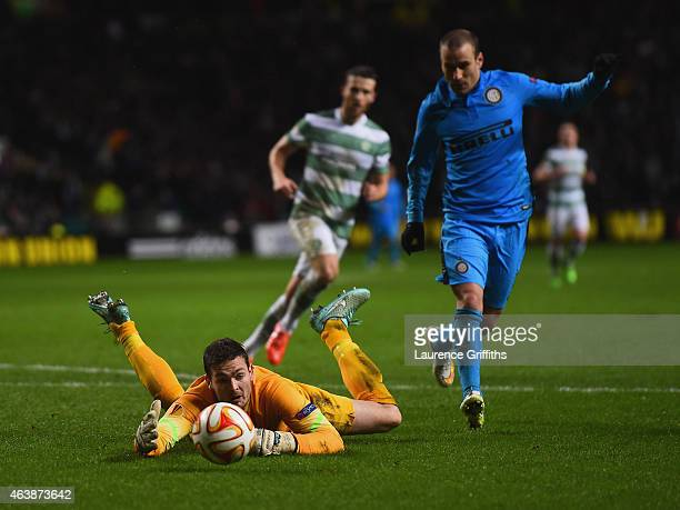 Goalkeeper Craig Gordon of Celtic fails to hold the ball allowing Rodrigo Palacio of Inter Milan to score their third goal during the UEFA Europa...