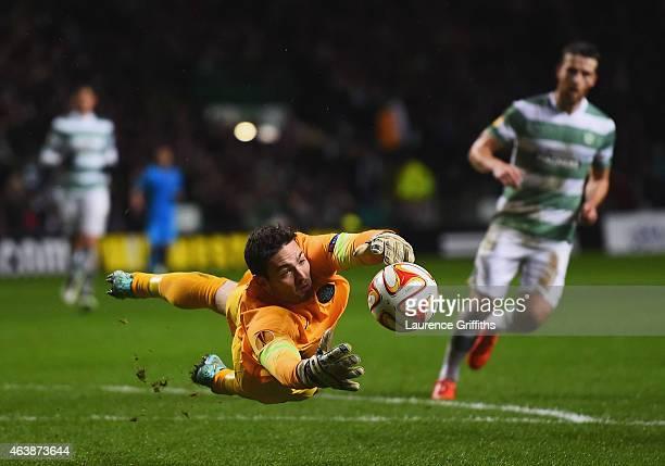 Goalkeeper Craig Gordon of Celtic fails to hold the ball allowing Rodrigo Palacio of Inter Milan to score their third goal during the UEFA Europa...