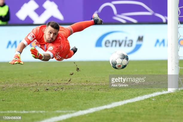 Goalkeeper Daniel Heuer Fernandes of Hamburg makes a save during the Second Bundesliga match between FC Erzgebirge Aue and Hamburger SV at...