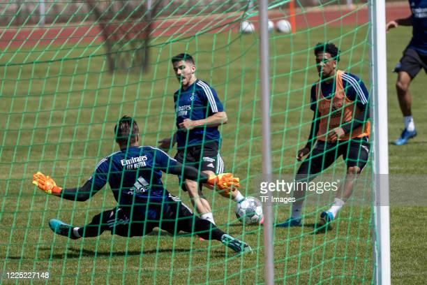 goalkeeper Daniel Heuer Fernandes of Hamburger SV Jairo Samperio of Hamburger SV and Xavier Amaechi of Hamburger SV during the training session of...