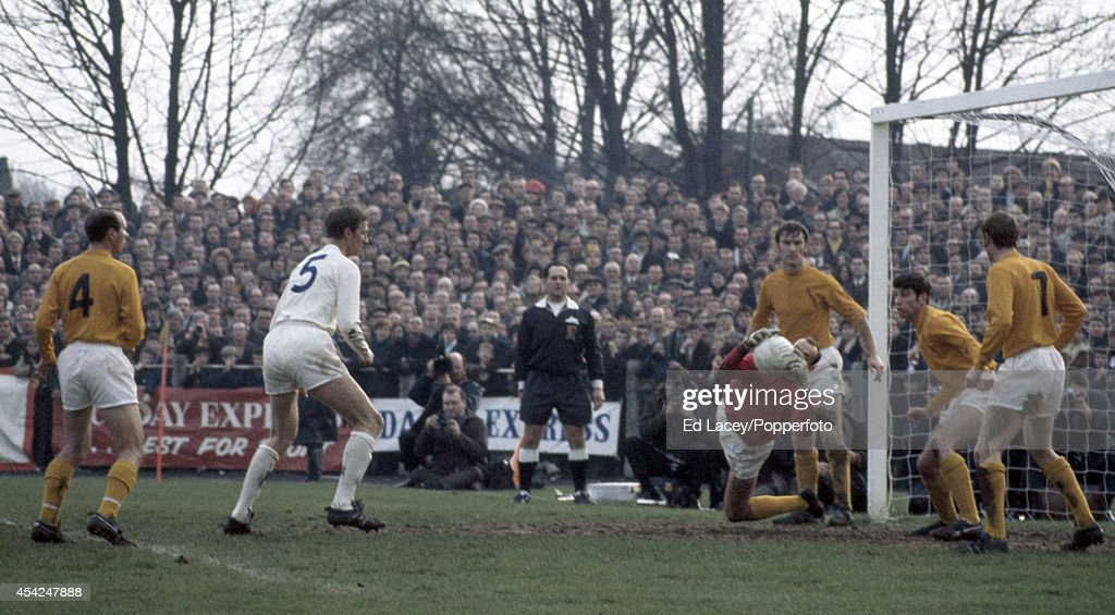 Sutton United v Leeds United : News Photo