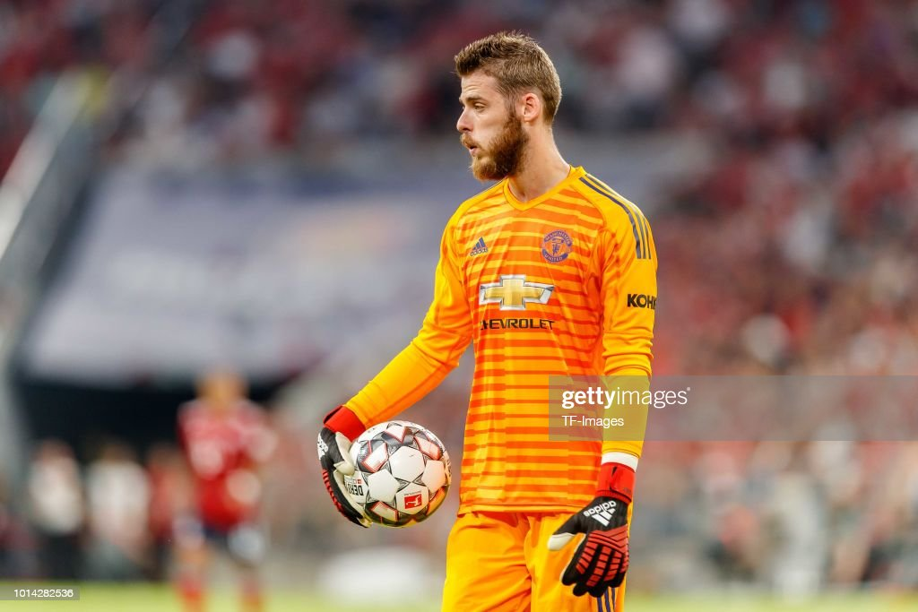 Kits by BK-201 ::NO REQUESTS:: - Page 8 Goalkeeper-david-de-gea-of-manchester-united-looks-on-during-the-picture-id1014282536
