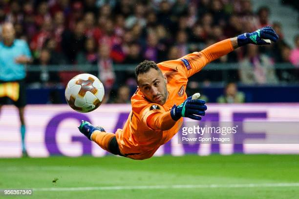 Goalkeeper David Ospina of Arsenal FC reaches for the ball after an attempt at goal by Atletico de during the UEFA Europa League 201718 semifinals...