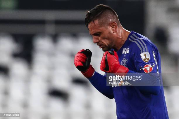 Goalkeeper Diego Alves of Flamengo celebrates a goal against River Plate during a match between Flamengo and River Plate as part of Copa CONMEBOL...