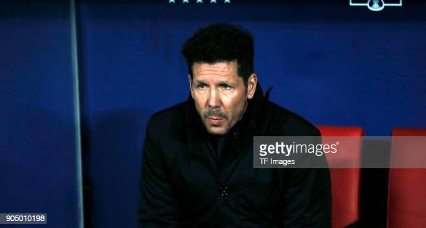 Goalkeeper Diego Simeone of Atletico Madrid looks on prior to the Copa Del Rey match between Atletico de Madrid and Lleida Esportiu at Wanda...
