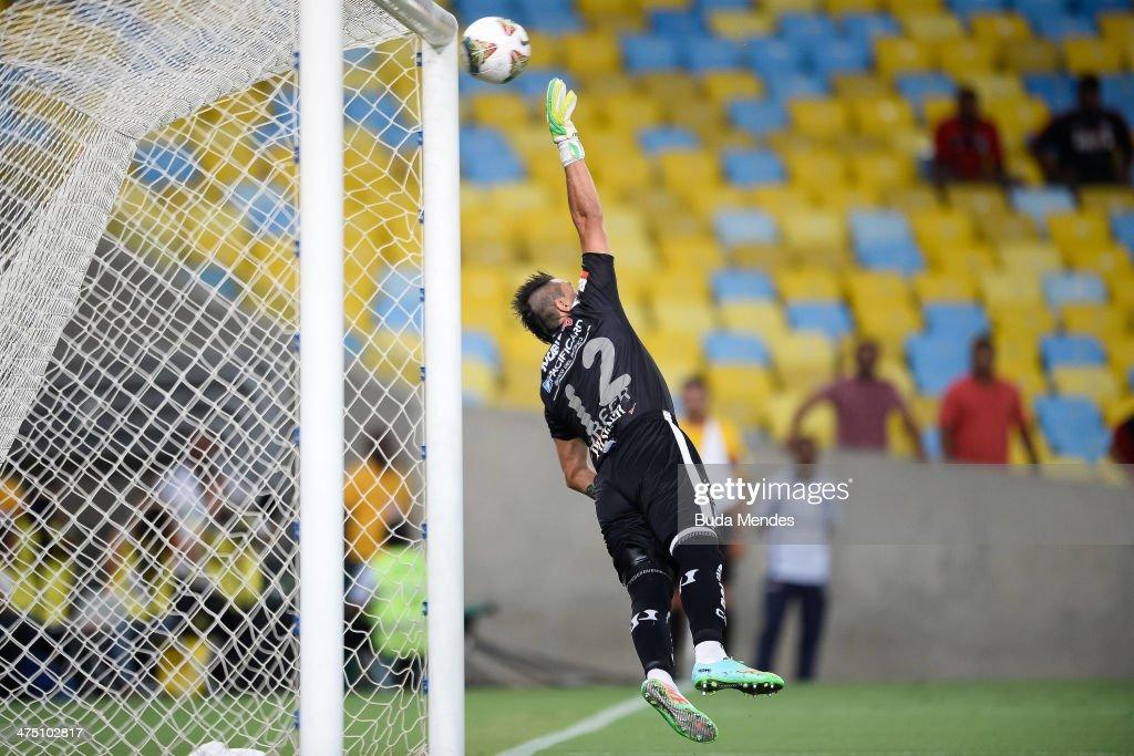 Flamengo v Emelec - Copa Bridgestone Libertadores 2014
