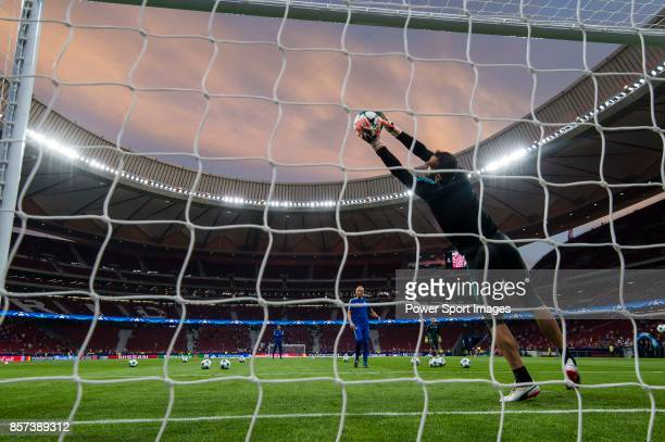Goalkeeper Eduardo dos Reis Carvalho of Chelsea FC prior to the UEFA Champions League 201718 match between Atletico de Madrid and Chelsea FC at the...