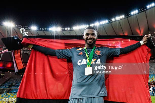 Goalkeeper Felipe of Flamengo celebrates the title against Atletico Paranaense after the final of Brazilian Cup 2013 between Flamengo and Atletico...