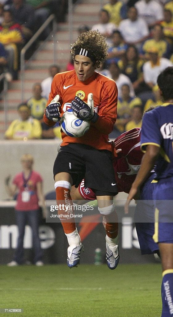 86a6691f9 Goalkeeper Francisco Guillermo Ochoa of Club America makes a save ...