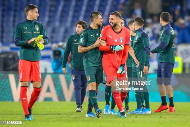 4 526 Donnarumma Photos And Premium High Res Pictures Getty Images