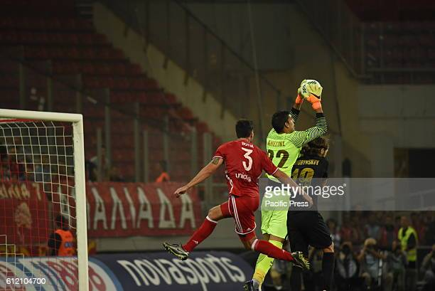 STADIUM ATHENS ATTIKI GREECE Goalkeeper Giannis Anestis of AEK catch the ball in front of Alberto Botia of Olympiacos and of Dmytro Chygrynskyy of...