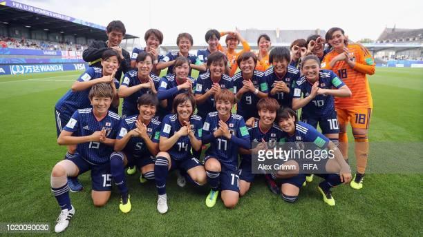 Goalkeeper Hannah Stambaugh of Japan holds te ball during the FIFA U20 Women's World Cup France 2018 Semi Final semi final match between England and...
