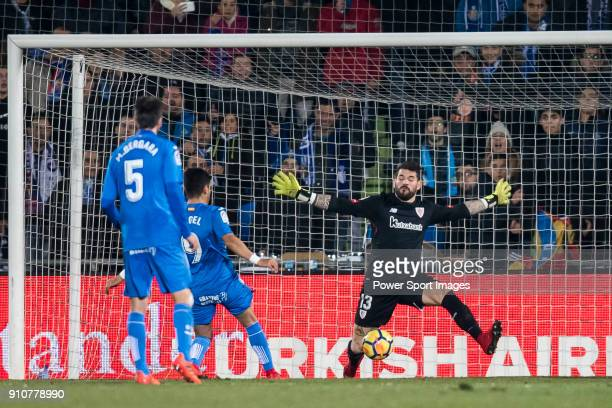 Goalkeeper Iago Herrerin Buisan of Athletic Club de Bilbao reaches for the ball after an attempt at goal by Getafe CF during the La Liga 201718 match...