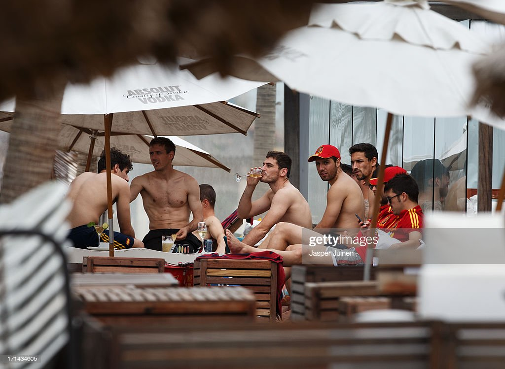 Spanish Players Swim In The Sea In Fortaleza