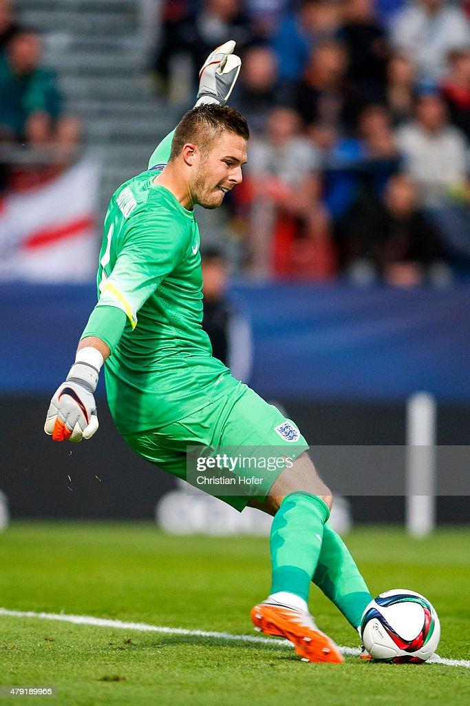 England v Italy - UEFA Under21 European Championship 2015 : News Photo