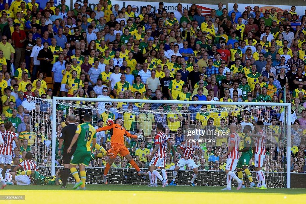 Norwich City v Stoke City - Premier League : News Photo