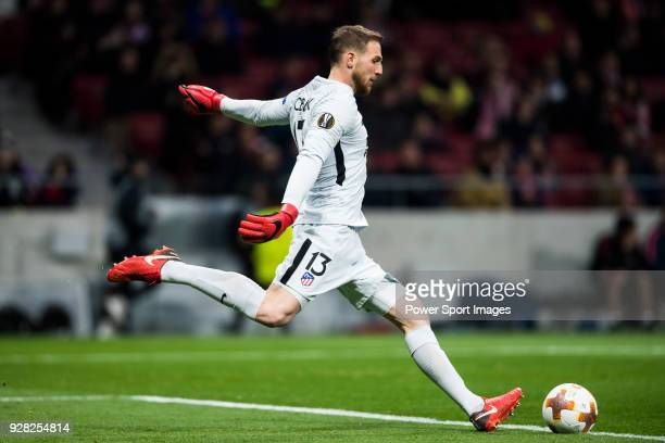 Goalkeeper Jan Oblak of Atletico de Madrid in action during the UEFA Europa League 201718 Round of 32 match between Atletico de Madrid and FC...