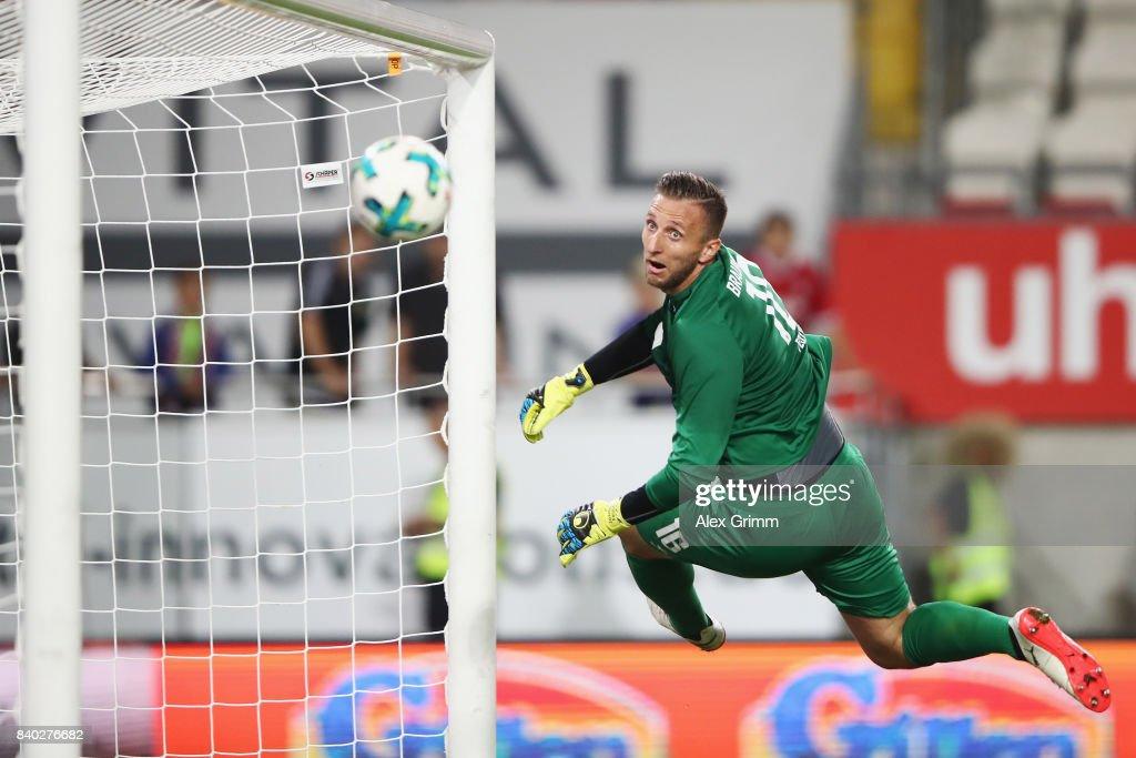 1. FC Kaiserslautern v Eintracht Braunschweig - Second Bundesliga
