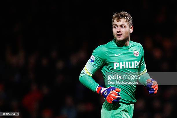 Goalkeeper Jeroen Zoet of PSV celebrates the goal by Memphis Depay during the Dutch Eredivisie match between Go Ahead Eagles and PSV Eindhoven held...