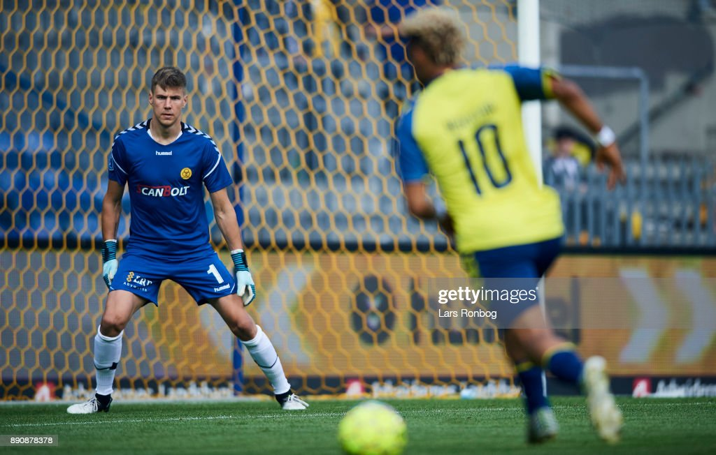 Goalkeeper Jesse Joronen of AC Horsens in action during the Danish Alka Superliga match between Brondby IF and AC Horsens at Brondby Stadion on August 27, 2017 in Brondby, Denmark.