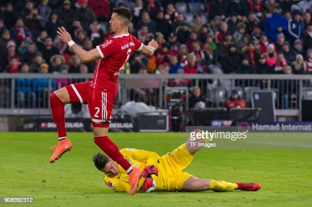Goalkeeper Jiri Pavlenka of Bremen and Sandro Wagner of Muenchen in action during the Bundesliga match between FC Bayern Muenchen and SV Werder...