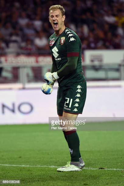 Goalkeeper Joe Hart disappointed after the goal of Gregoire Defrel of US Sassuolo during the Serie A match between FC Torino and US Sassuolo at...