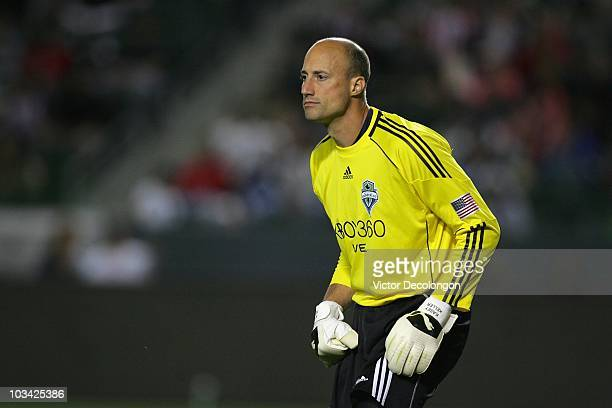Goalkeeper Kasey Keller of Seattle Sounders faces the play during their MLS match against Chivas USA at The Home Depot Center on August 14 2010 in...