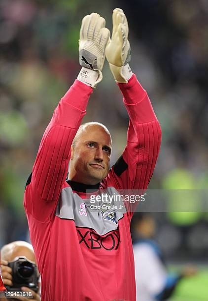 Goalkeeper Kasey Keller of the Seattle Sounders FC waves to the crowd prior to the match against the San Jose Earthquakes at CenturyLink Field on...