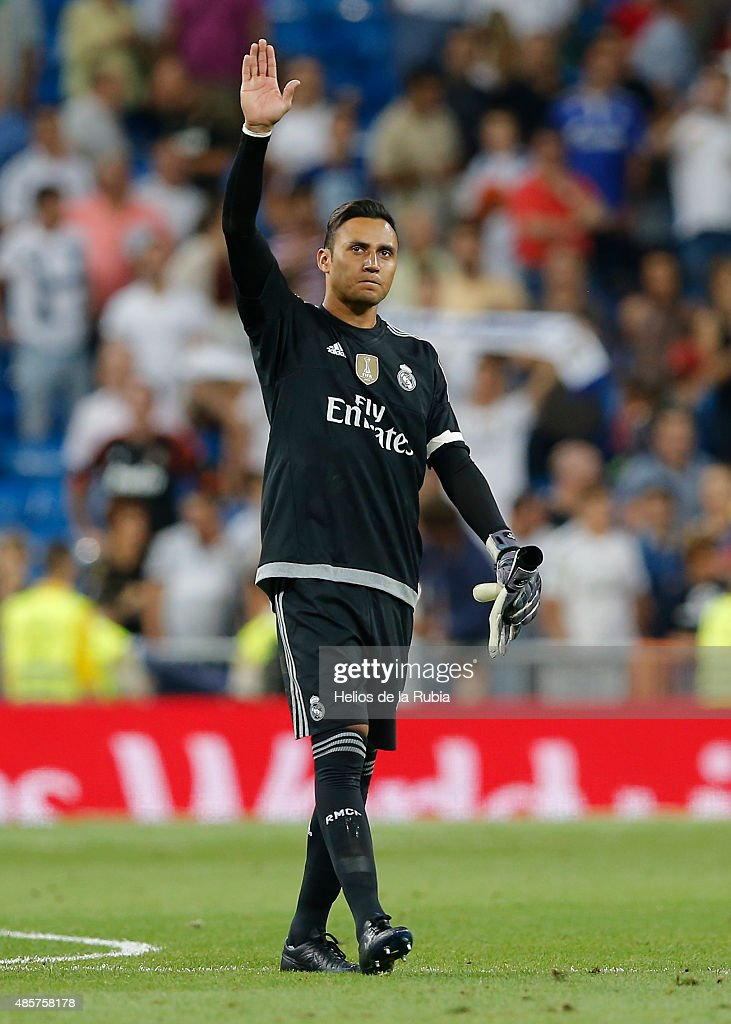 Goalkeeper Keylor Navas of Real Madrid aplause to the fans during the La Liga match between Real Madrid CF and Real Betis Balompie at Estadio Santiago Bernabeu on August 29, 2015 in Madrid, Spain.