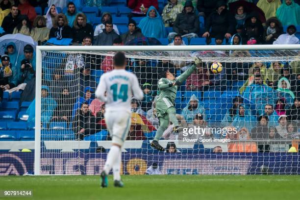 Goalkeeper Keylor Navas of Real Madrid fails to save the goal scored by Pablo Fornals of Villarreal CF during the La Liga 201718 match between Real...