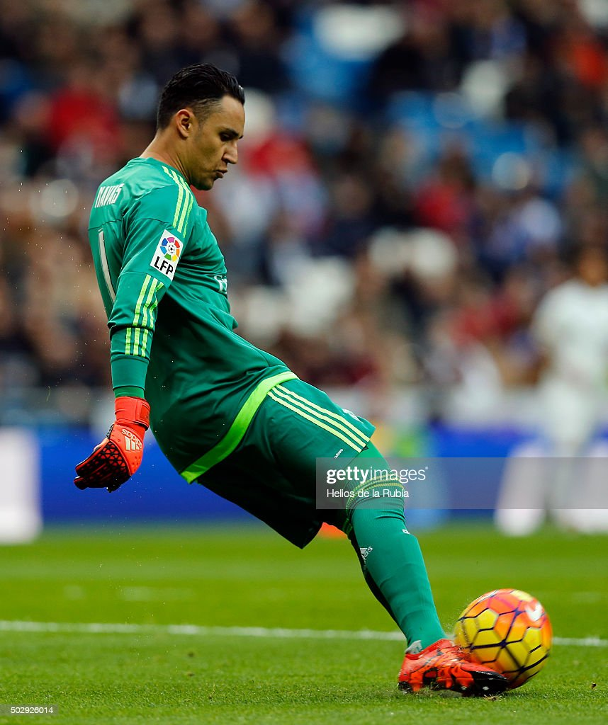 GoalKeeper Keylor Navas of Real Madrid in action during the La Liga match between Real Madrid CF and Real Sociedad at Estadio Santiago Bernabeu on December 30, 2015 in Madrid, Spain.