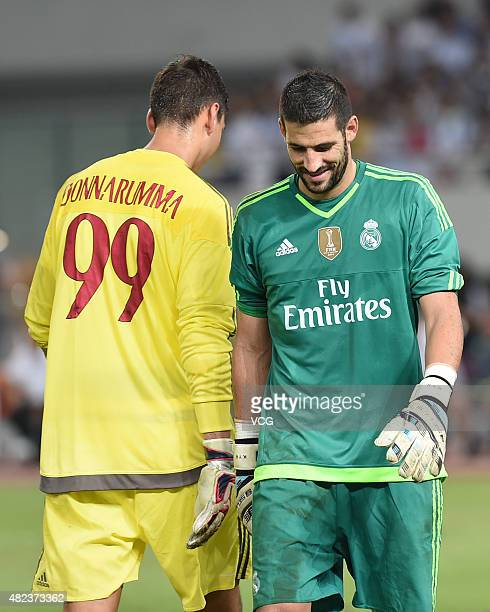 Goalkeeper Kiko Casilla of Real Madrid and goalkeeper Gianluigi Donnarumma of AC Milan in action at the penalty shootout during the International...