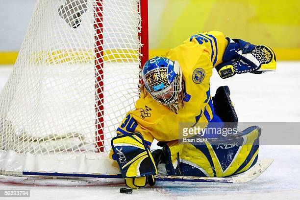Goalkeeper Kim Martin of Sweden looks at the puck during the final of the women's ice hockey between Sweden and Canada during Day 10 of the Turin...