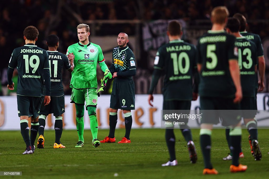 Goalkeeper Lorius Karius of Mainz shakes hand with players of Moenchengladbach after the Bundesliga match between 1. FSV Mainz 05 and Borussia Moenchengladbach at Coface Arena on January 29, 2016 in Mainz, Germany.