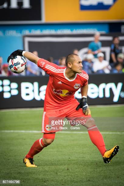 Goalkeeper Luis Robles of New York Red Bulls feeds the ball to a teammate during the MLS match between the New York City FC and New York Red Bulls at...