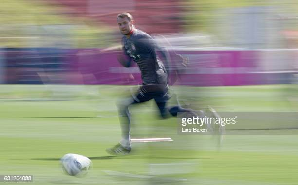 Goalkeeper Manuel Neuer sprints during a training session at day 6 of the Bayern Muenchen training camp at Aspire Academy on January 8 2017 in Doha...