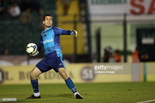 Goalkeeper Marcelo Grohe of Gremio in action during a match between Figueirense and Gremio as part of Campeonato Brasileiro 2014 at Orlando Scarpelli...