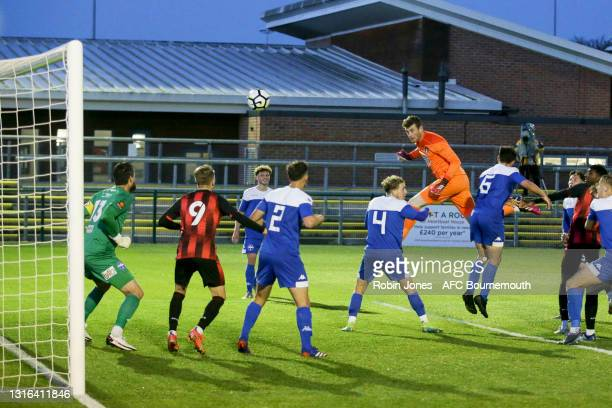 Goalkeeper Mark Travers of Bournemouth scores a 92nd minute headed equaliser to make it 2-2 to take Final into a penalty shoot-out during the...