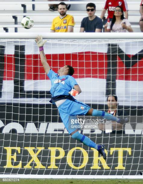 Goalkeeper Martin Silva of Brazilian club Vasco da Gama punches the ball over his goal for a save during their 10 victory over Argentine side River...