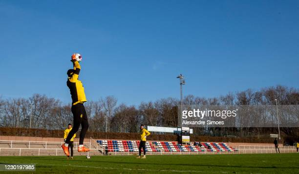 Goalkeeper Marwin Hitz of Borussia Dortmund during a training session prior to the Bundesliga match between 1. FC Union and Borussia Dortmund at the...