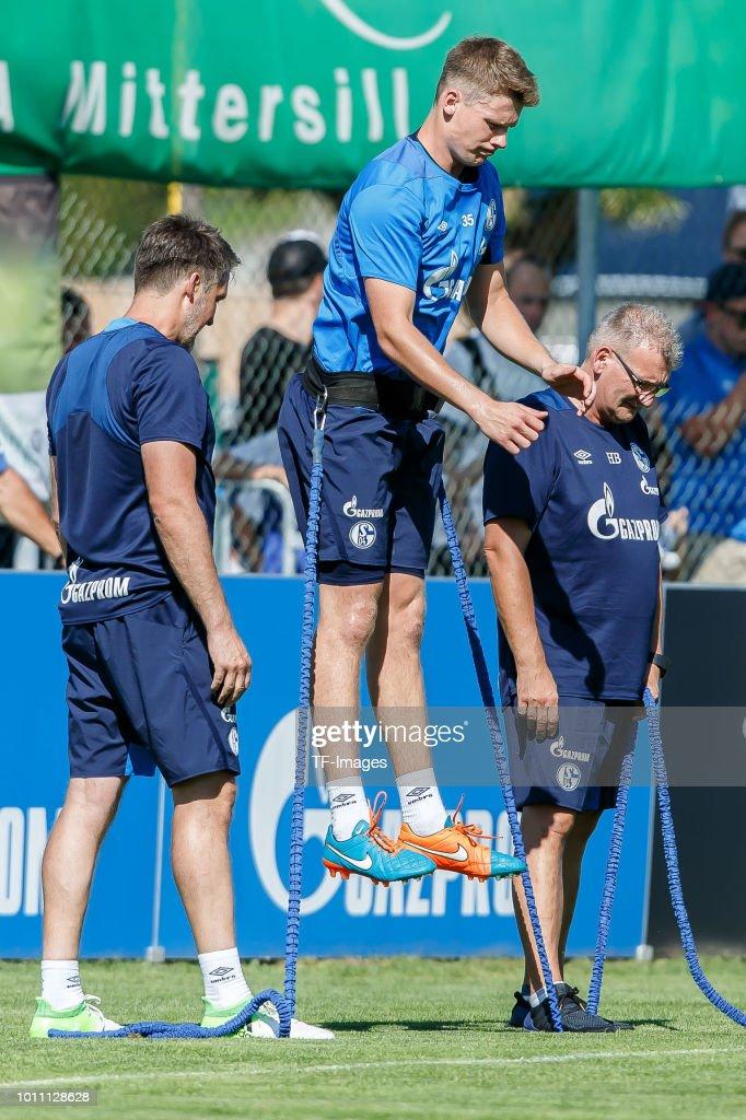 Goalkeeper Michael Langer of Schalke in action during the Schalke ...