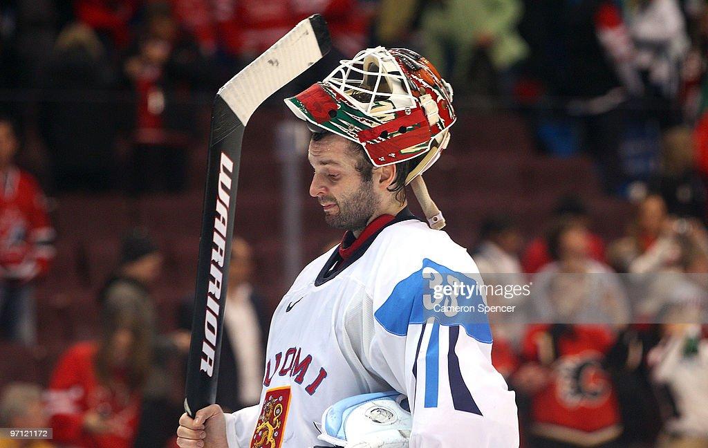 Ice Hockey - Men's Semifinal - USA vs. FIN : News Photo