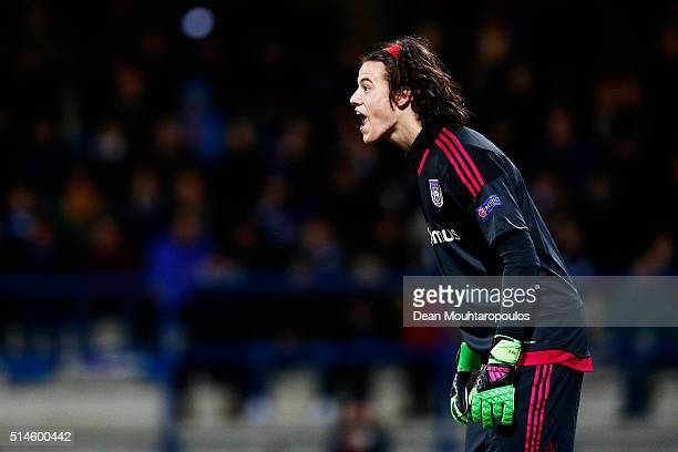 Goalkeeper Mile Svilar of Anderlecht shouts instructions to his defence during the UEFA Youth League Quarterfinal match between Anderlecht and...
