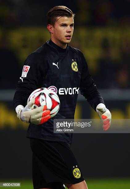 Goalkeeper Mitch Langerak of Dortmund holds the ball during the Bundesliga match between Borussia Dortmund and 1899 Hoffenheim at Signal Iduna Park...