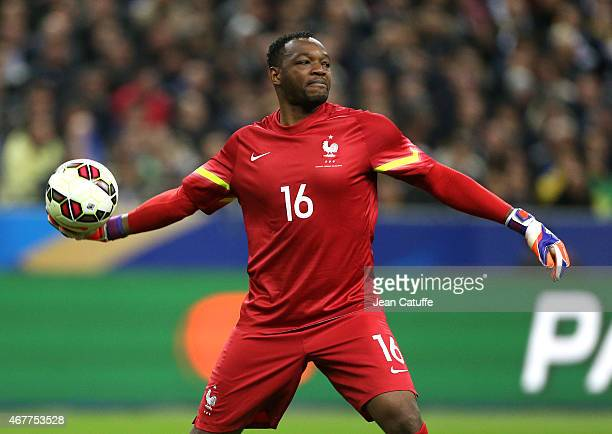 Goalkeeper of France Steve Mandanda in action during the international friendly match between France and Brazil at Stade de France on March 26 2015...