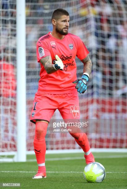 Goalkeeper of Girondins de Bordeaux Benoit Costil during the French Ligue 1 match between Paris SaintGermain and FC Girondins de Bordeaux at Parc des...