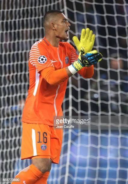 Goalkeeper of PSG Alphonse Areola during the UEFA Champions League group B match between Paris SaintGermain and Bayern Muenchen at Parc des Princes...