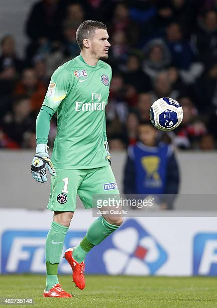Goalkeeper of PSG Nicolas Douchez in action during the French League Cup match between Lille OSC and Paris SaintGermain at Grand Stade Pierre Mauroy...