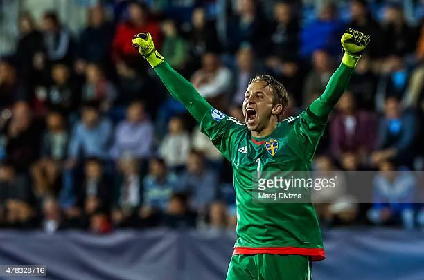 Goalkeeper of Sweden Patrik Carlgren celebrates goal during UEFA U21 European Championship Group B match between Portugal and Sweden at Mestsky...